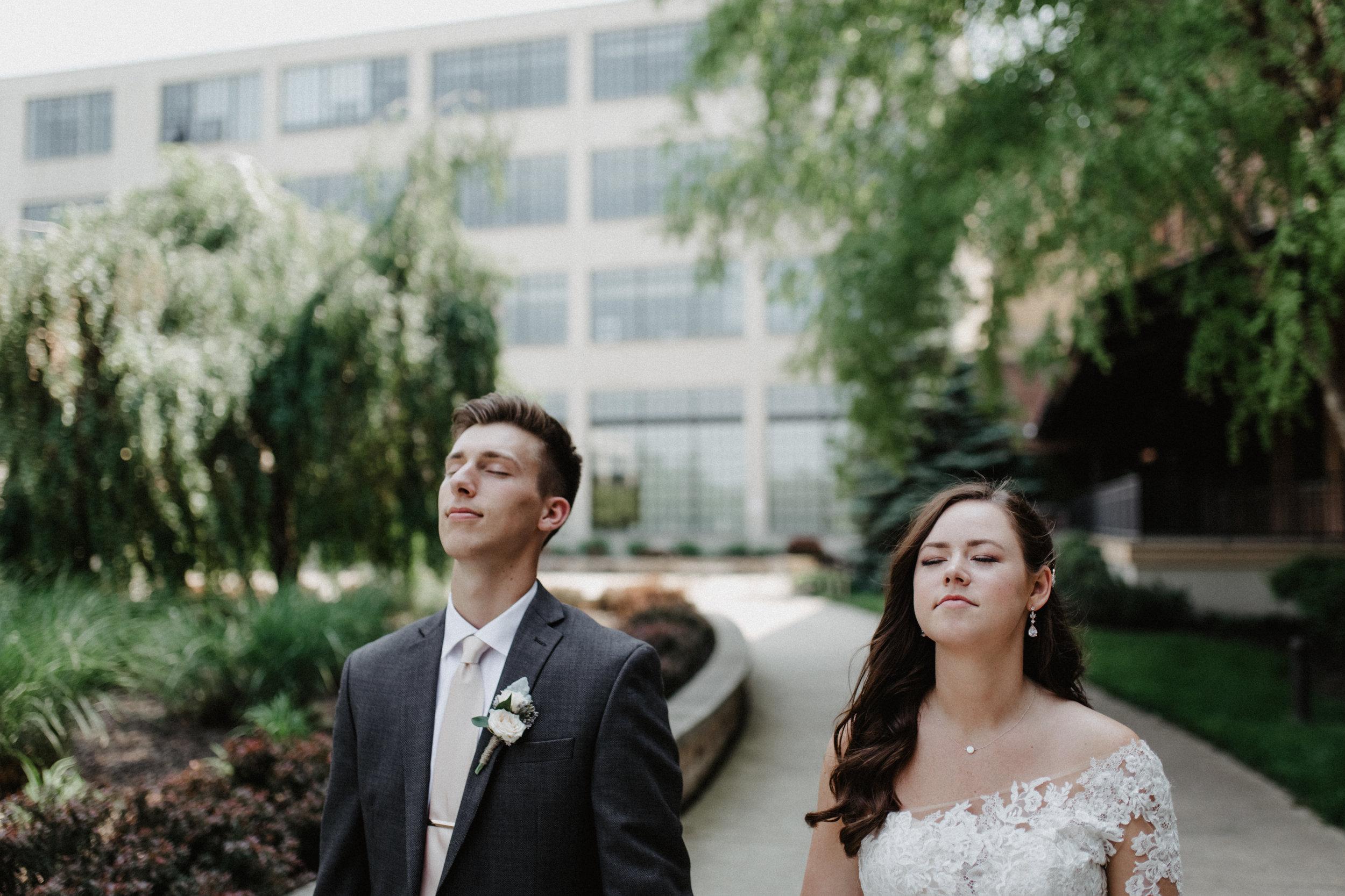 GRAYCENTOMHAMILTON-GRAND-RAPIDS-WEDDING-PHOTOGRAPHY-36.jpg