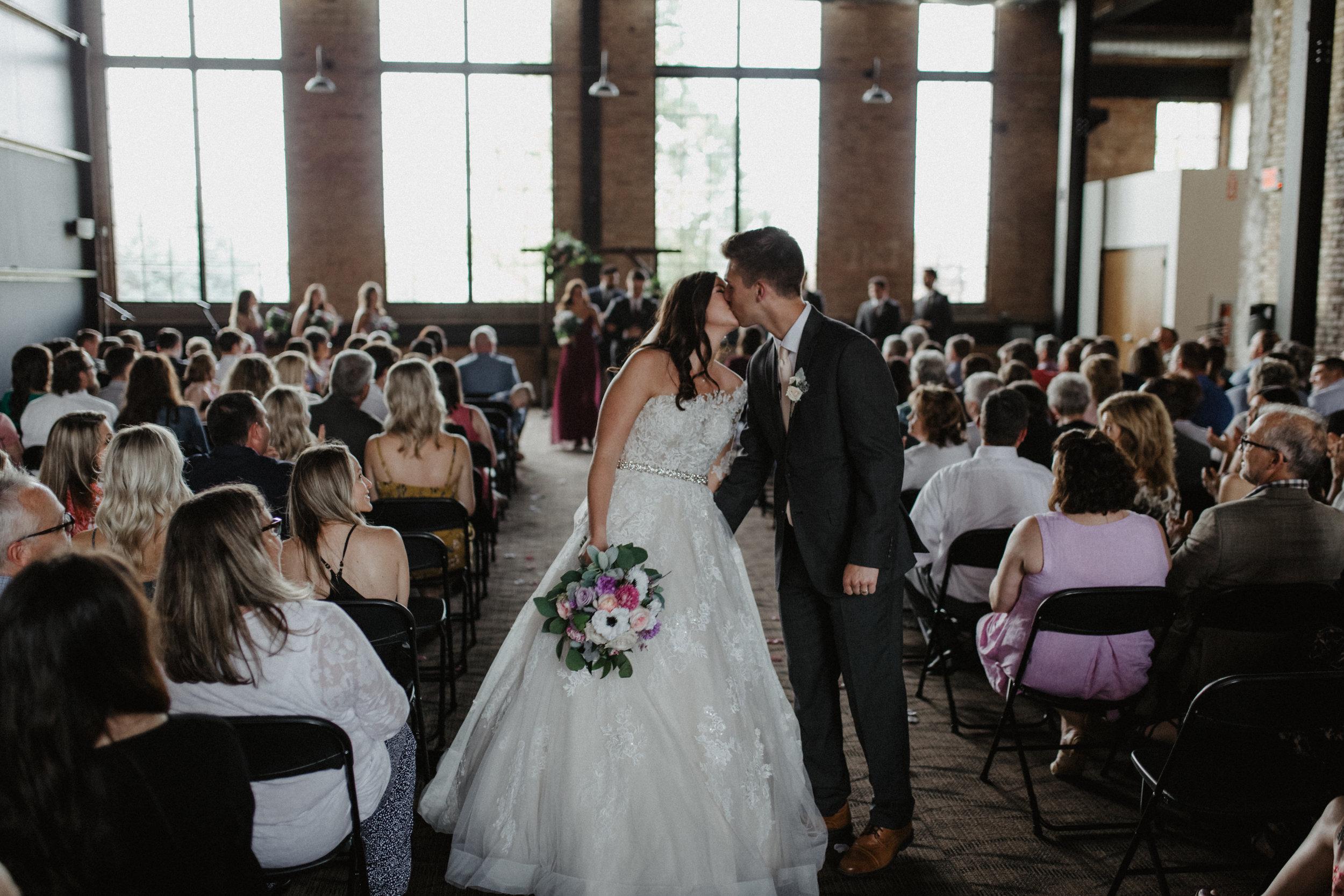 GRAYCENTOMHAMILTON-GRAND-RAPIDS-WEDDING-PHOTOGRAPHY-51.jpg