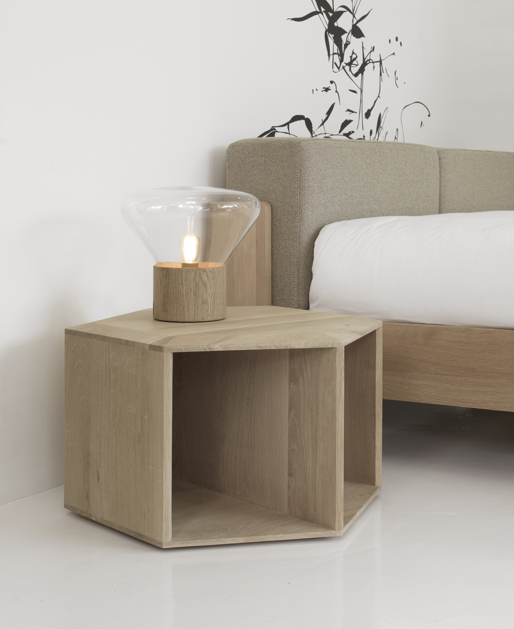 Hexa   is a small and smart table which can be  PLACED IN HORIZONTAL AND VERTICAL POSITIONS, WORKING AS A SIMPLE COFFEE TABLE, BUT ALSO AS A SIDE OR BEDSIDE TABLE.   Read more