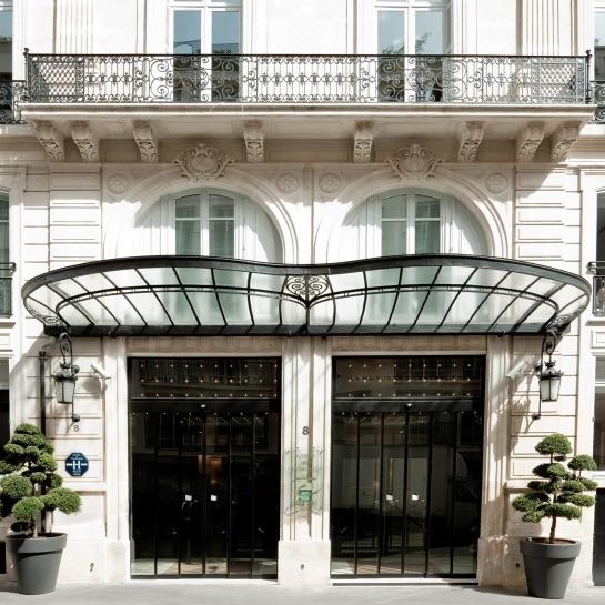 la-maison-champs-elysee-entrance-k-01-x2.jpg