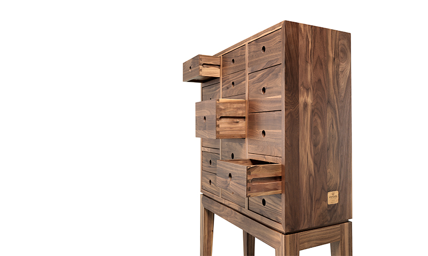 Contador  is an unique, cool and contemporary chest of drawers in walnut for your jewellery and collectibles.