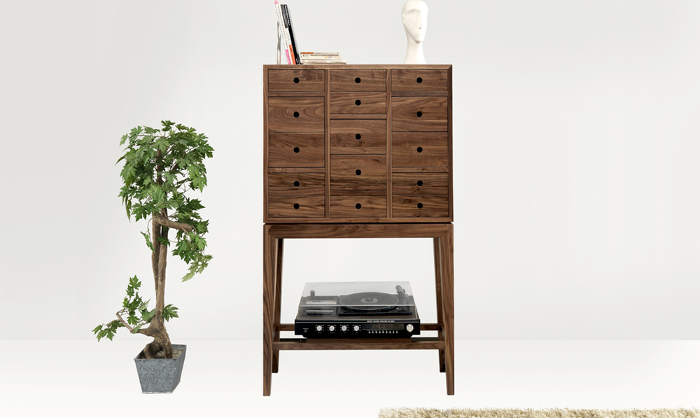 CONTADOR SIDEBOARD    This statement chest of drawers is the perfect piece to add elegant decor and to create a powerful entrance hall.