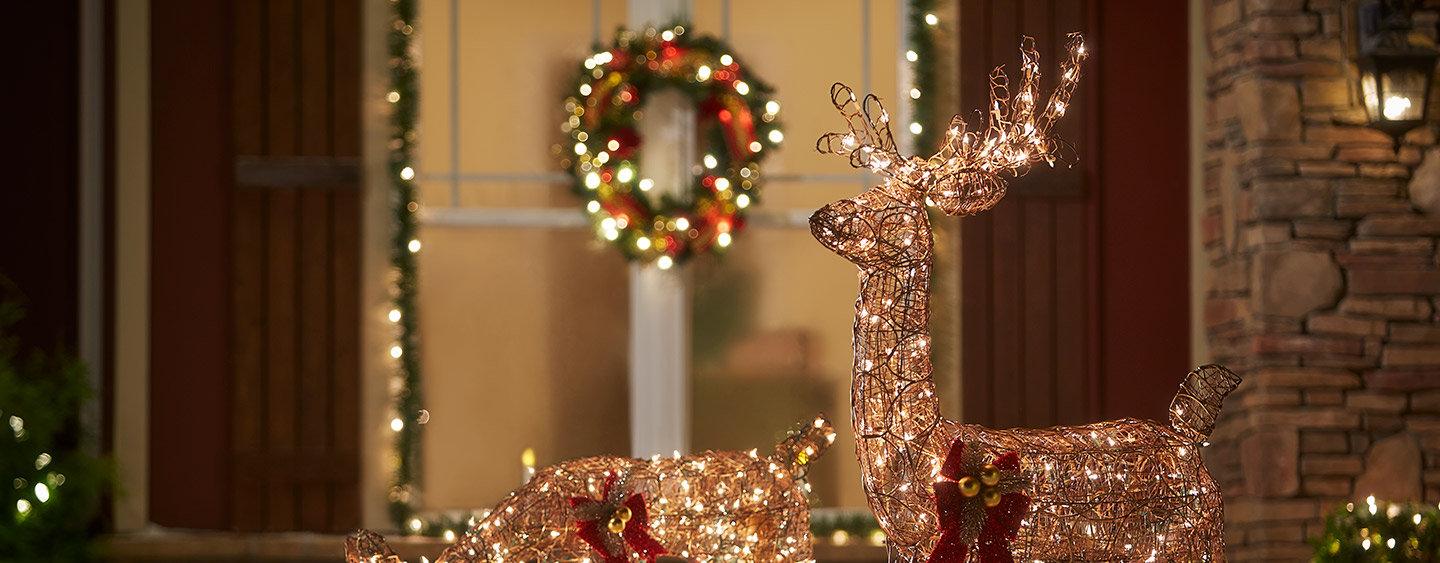 DCR-L2-outdoor-christmas-decorations-hero.jpg