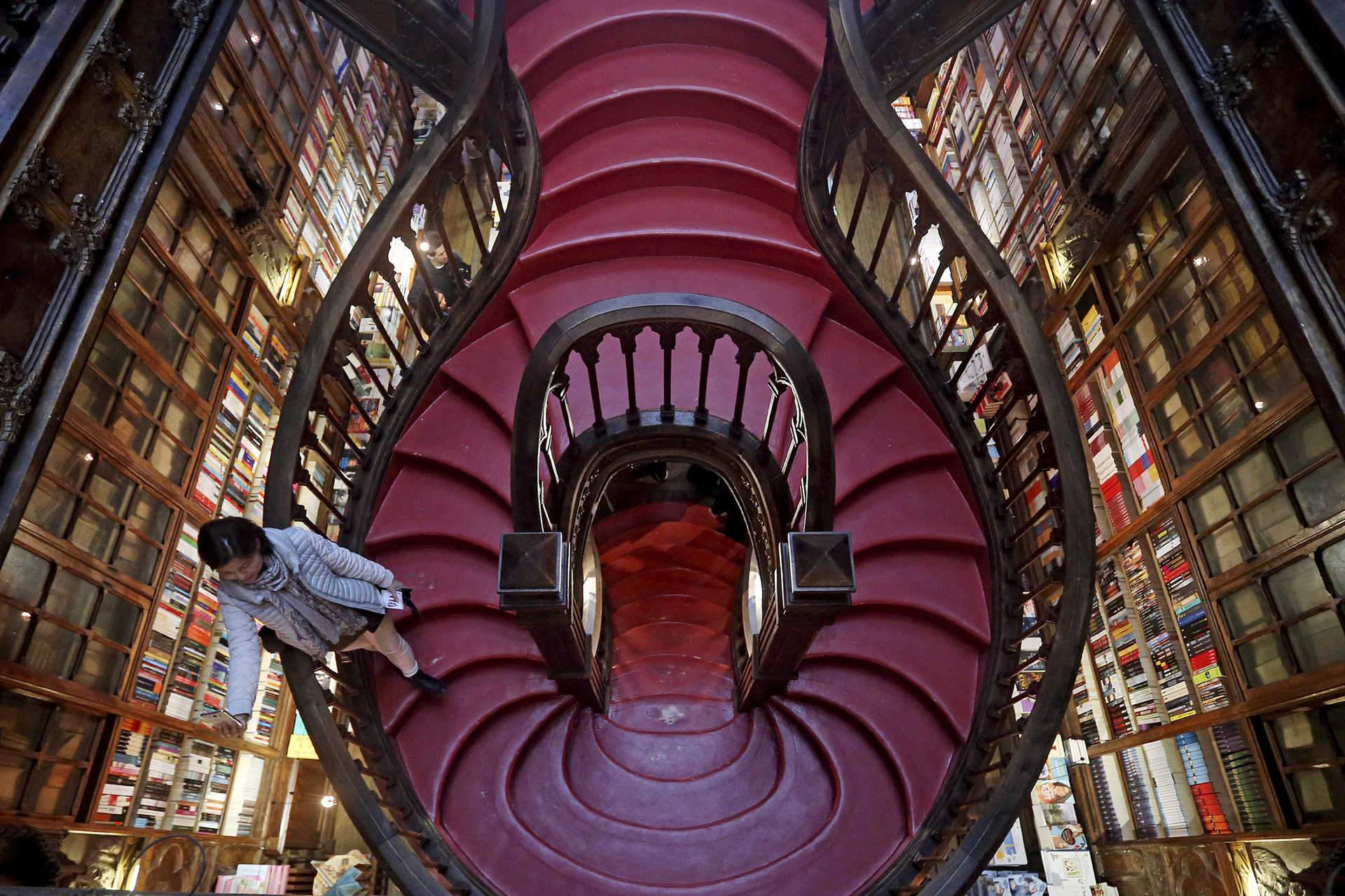 LIVRARIA LELLO  - PORTO  It's one of the oldest bookshops in the world and is housed in an impressive space. It's a great opportunity to visit and do some shopping for Christmas. A book is always a good idea!