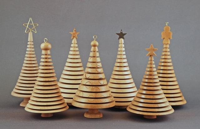 lathe-turned-ornaments-christmas-tree_163155.jpg