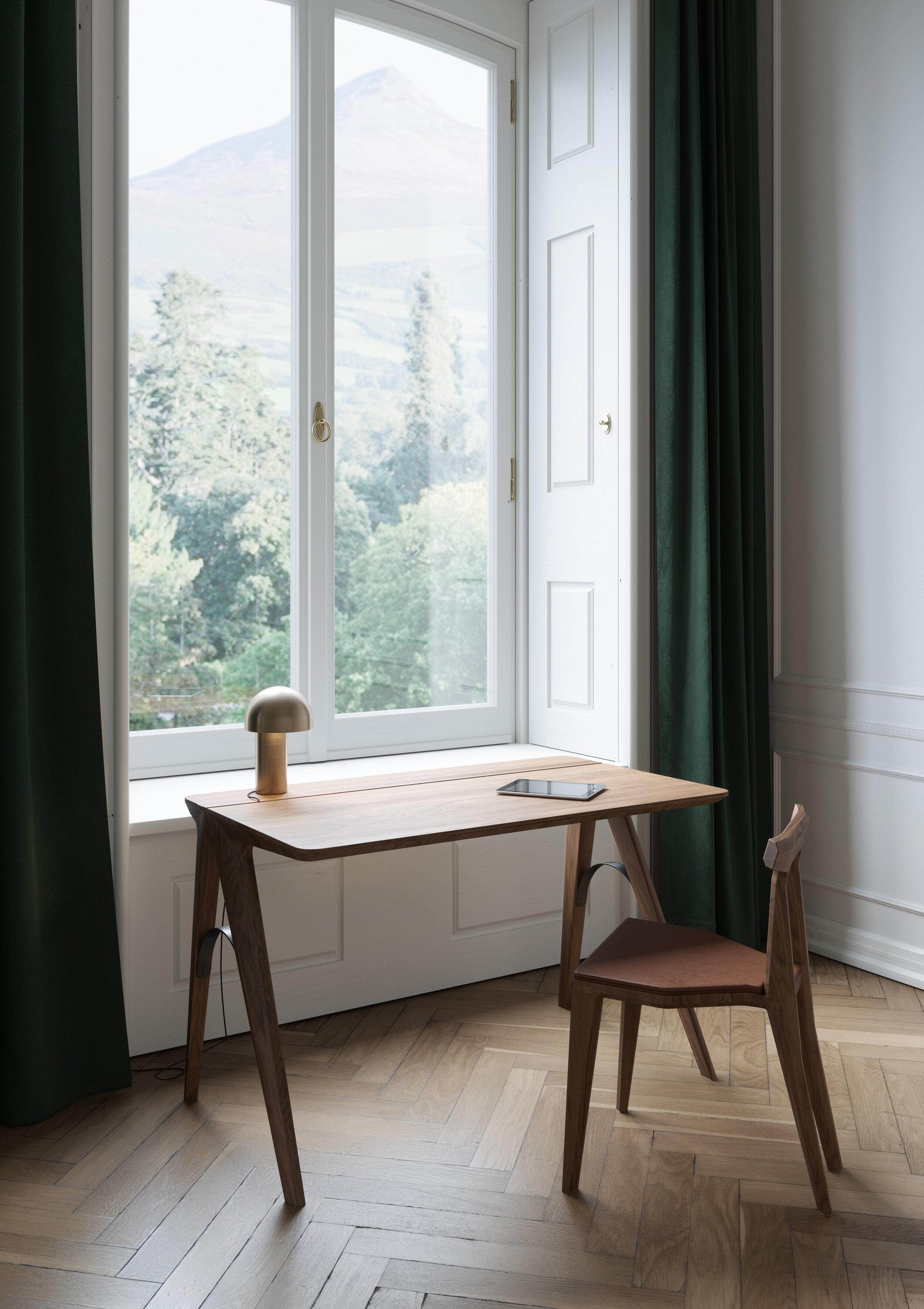 3 Minimalist Desks To Increase Your Creativity