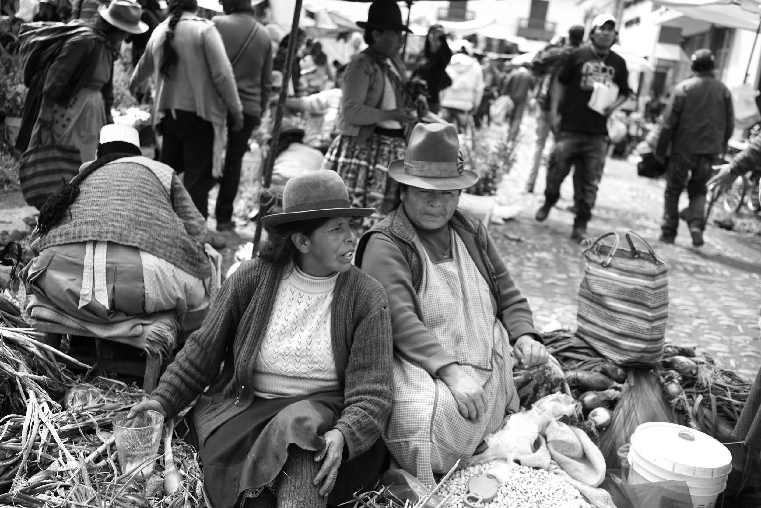 Market gossip. Pisac, Cusco, Peru.May 2015