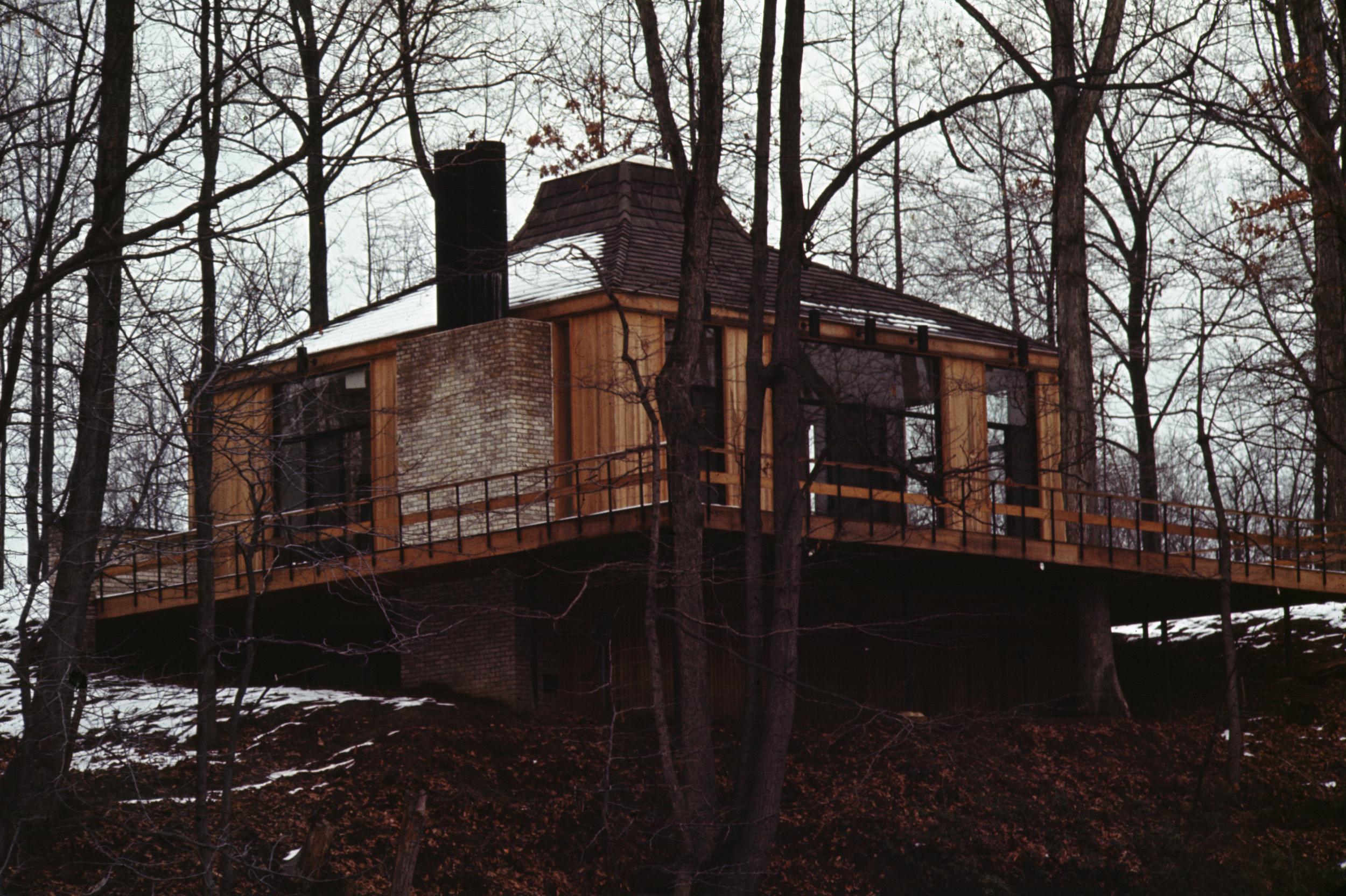 Naftalin Residence