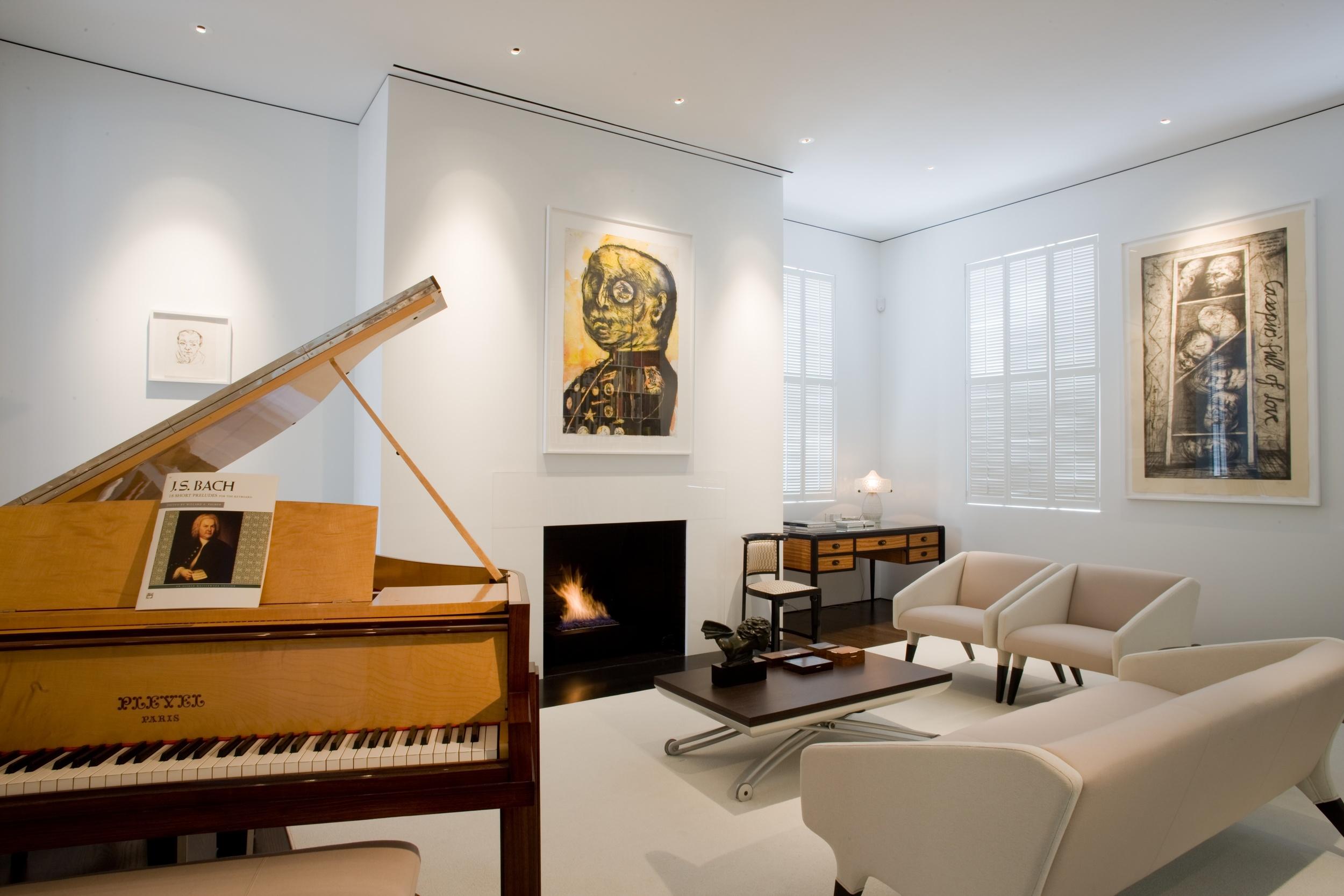 The South livingroom.