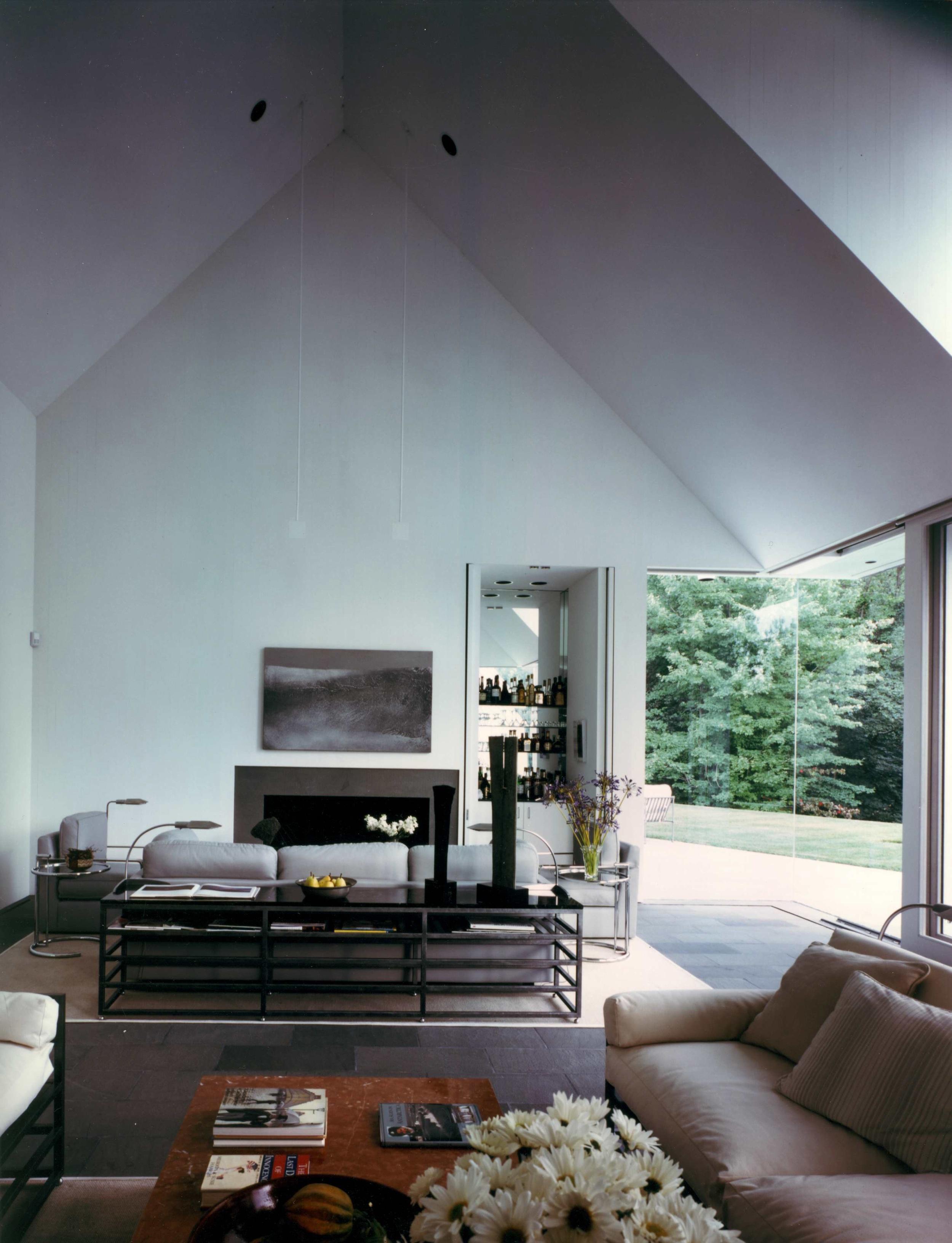 Cornerless windows in Great Barrington,  Massachusetts
