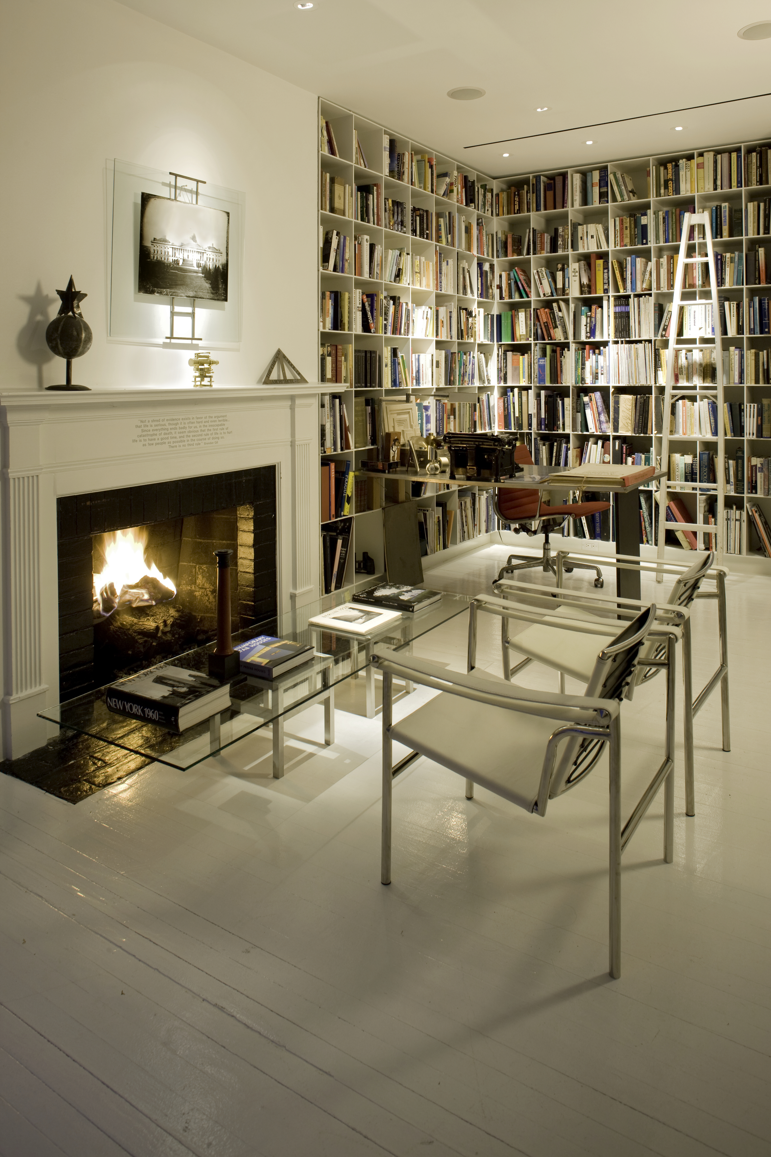An 1863 house in Washington has an 'L' shaped library to frame the floor plan.