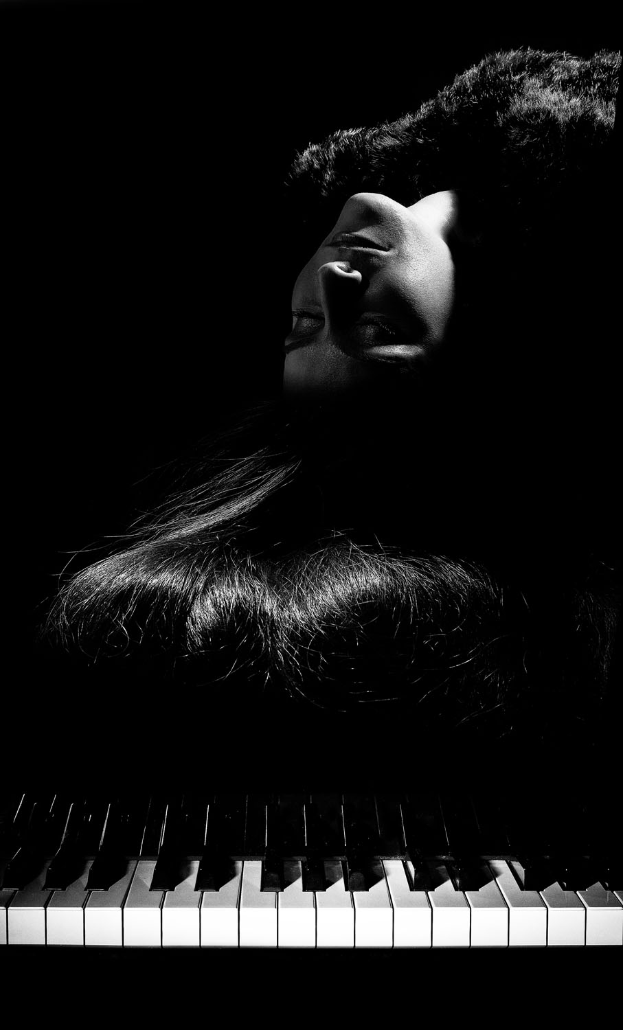 Nadine_on_piano_final_composite.jpg