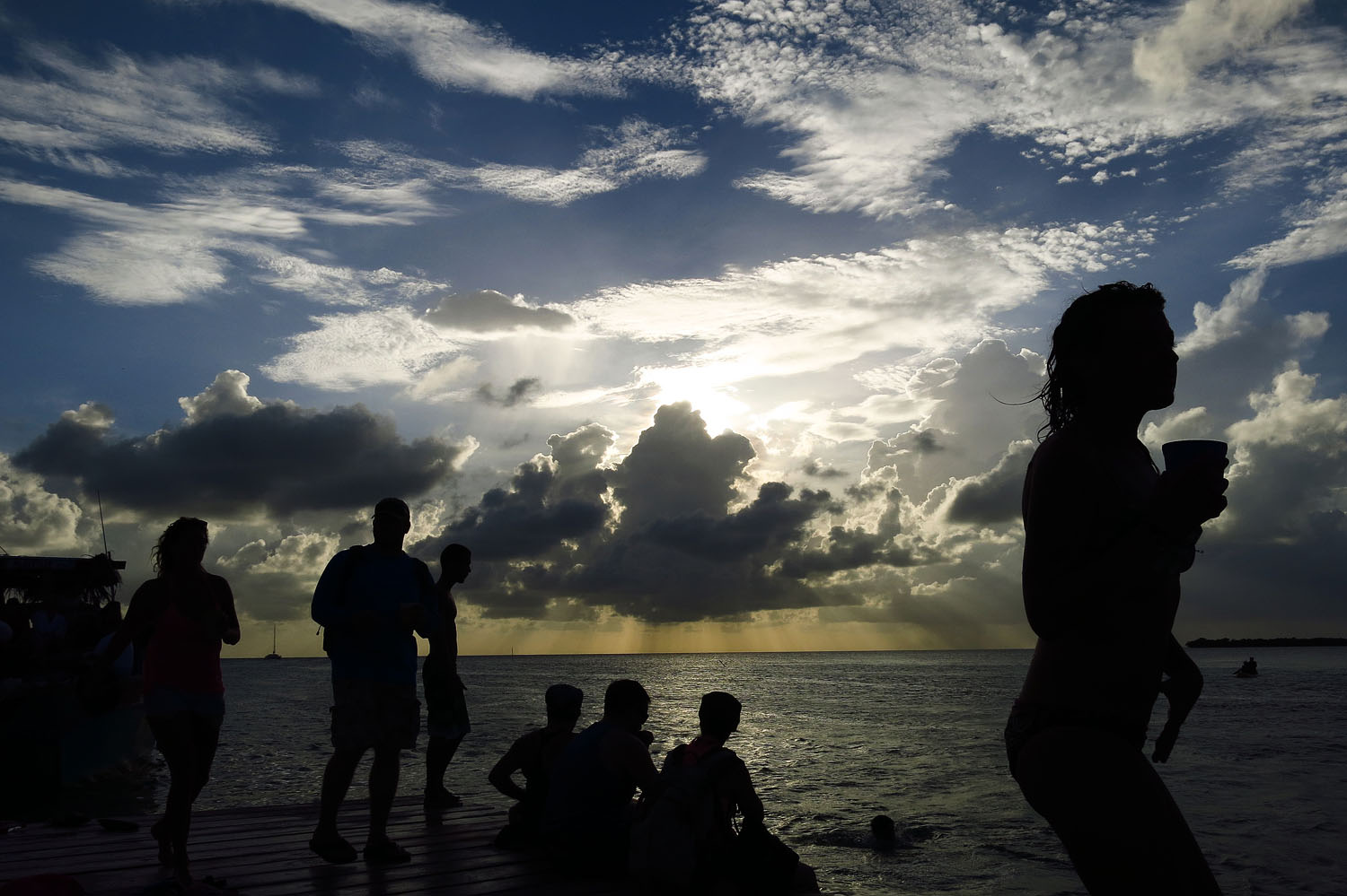 Belize_sunset_party dock_IMG_8563.jpg