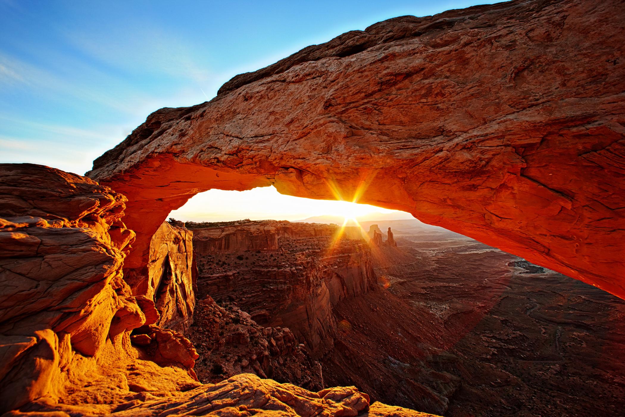 Utah's Mesa Arch.jpg