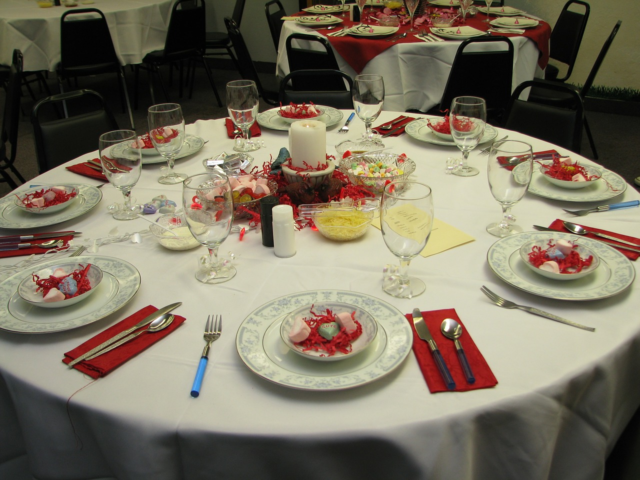 banquet-table-red.jpg