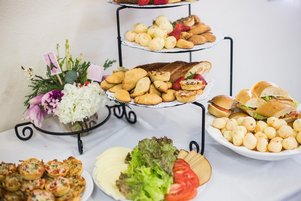 catering-food-table.jpg