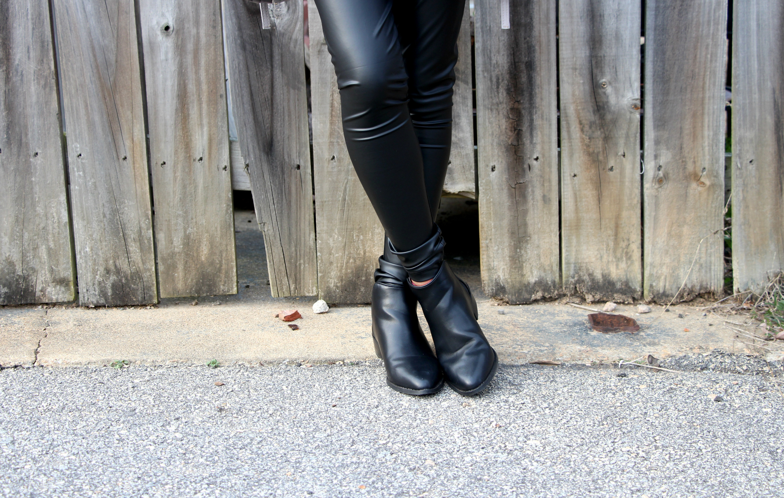 black-liquid-legging.jpg
