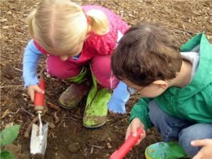 kids_digging-300x225.jpg