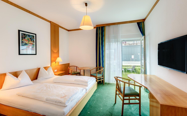 thermen-und-familien-hotel-kurz-therme-lutzmannsburg-06.jpg