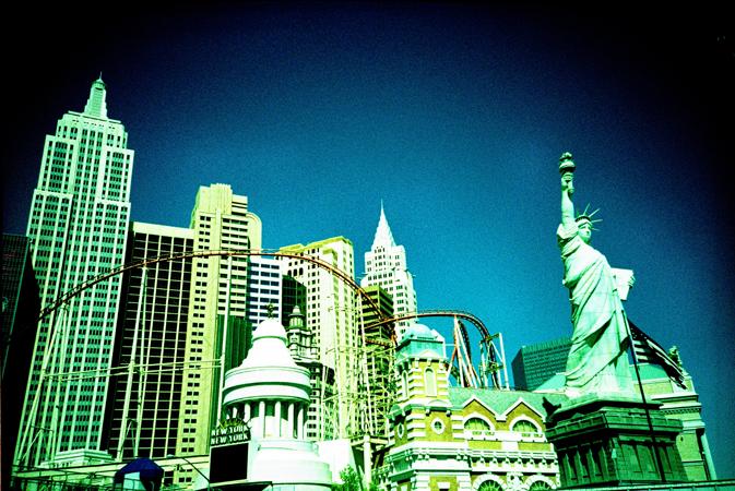 VegasLomo1_02.jpg