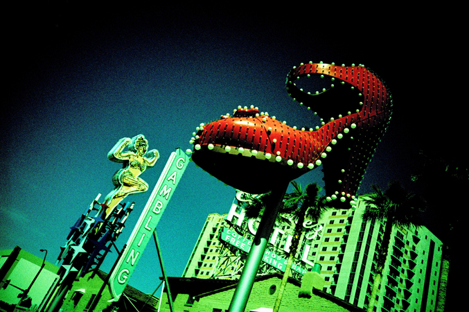 VegasLomo2_0032.jpg