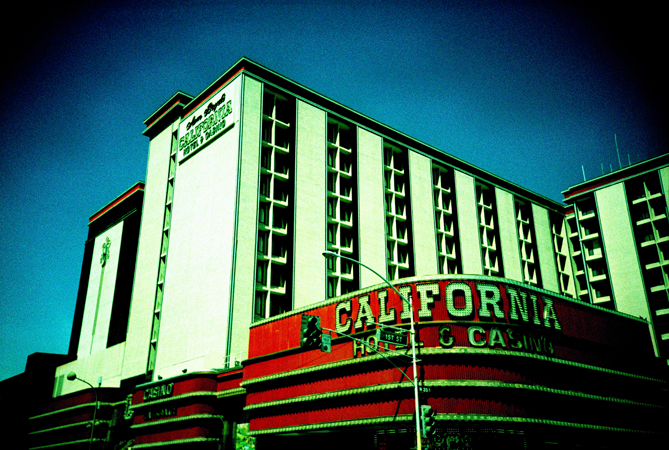 VegasLomo3_0014.jpg