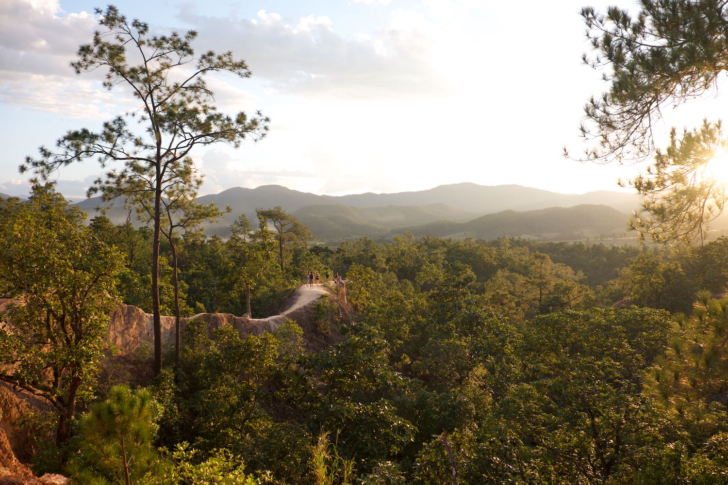 Pai Canyon at sunset is a worthwhile adventure
