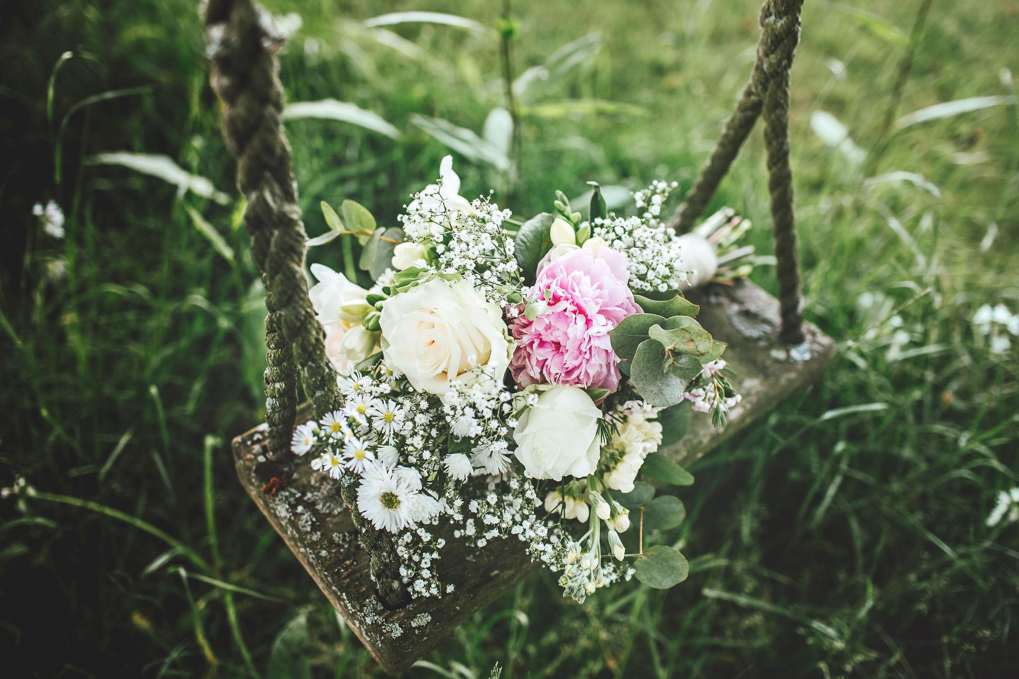 fiesta-fields-louisa-thomas-blog-bouquet-abigailwhite.jpg