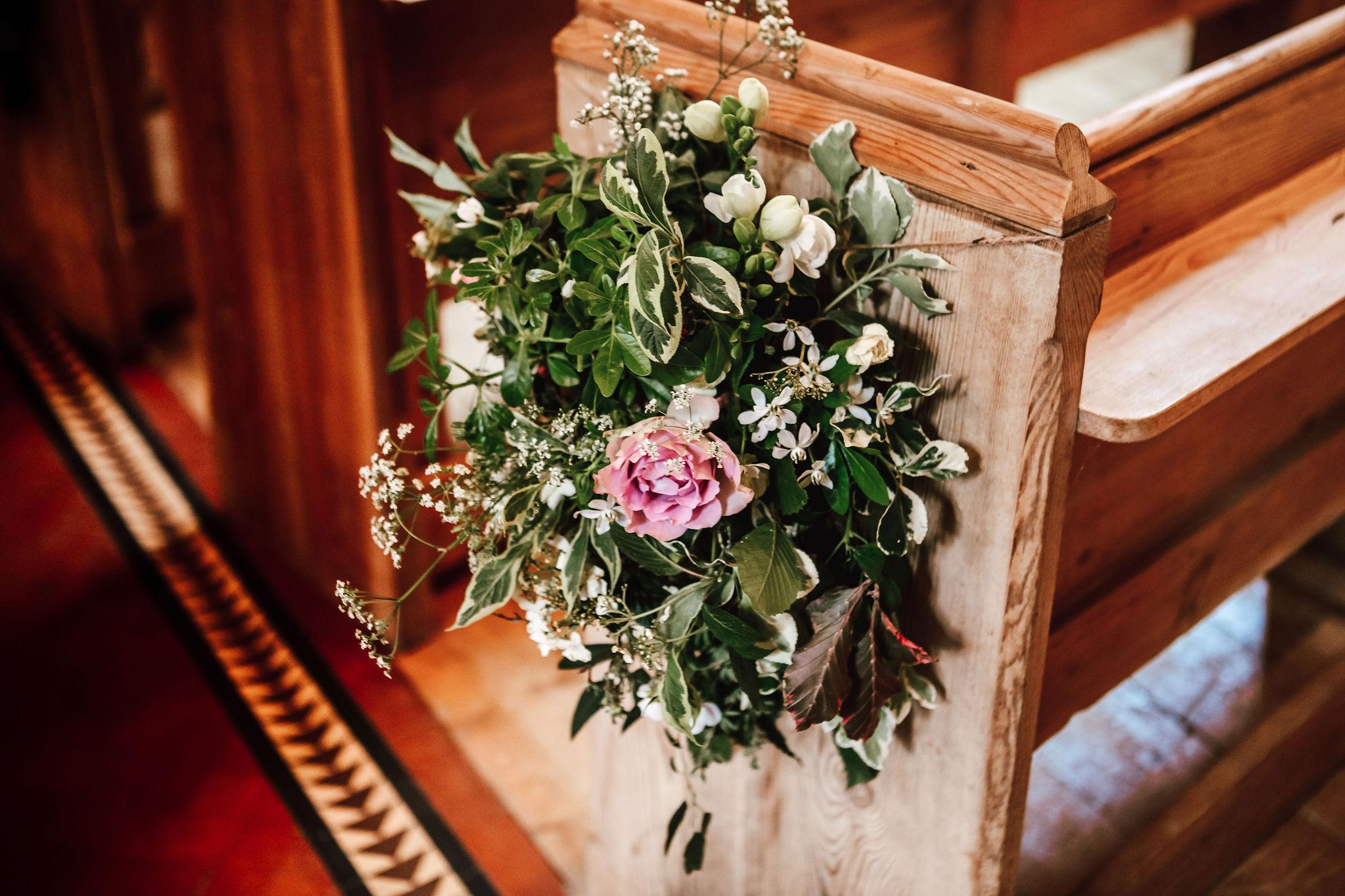 fiesta-fields-louisa-thomas-blog-church-flowers-abigailwhite.jpg