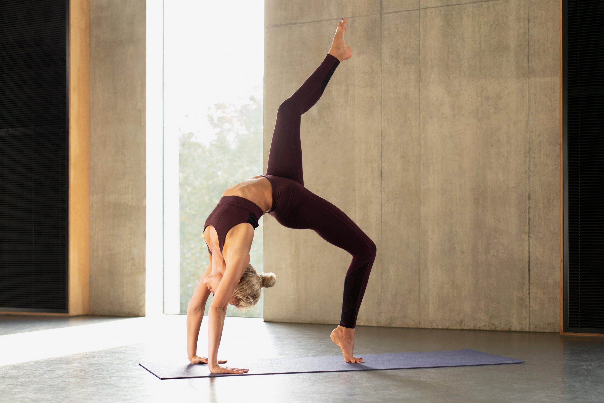 20190830_Anna_Yoga_stills_050 Anna_web 1.jpg