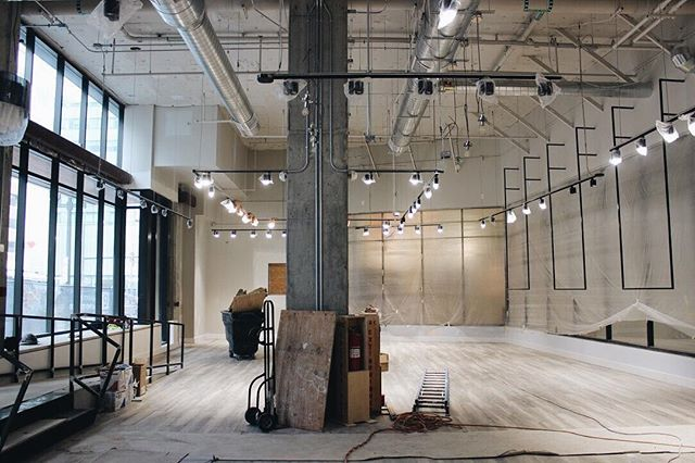 The newest A Line is coming together nicely. Stay tuned for more construction updates and get ready to shop easy in the Union Station neighborhood, opening April 1st @the_coloradan. . . . #shopeasy #newconstruction #fourthstore #unionstation #denverstyle #denverfashion #fashionplayground #retailtherapy #openingsoon #comingsoon