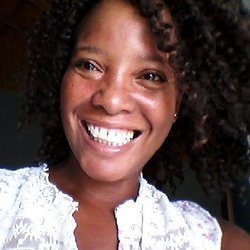 Yuwanda Black  writes fiction and non-fiction ebooks, creates and teaches e-courses and blogs at Inkwell Editorial.