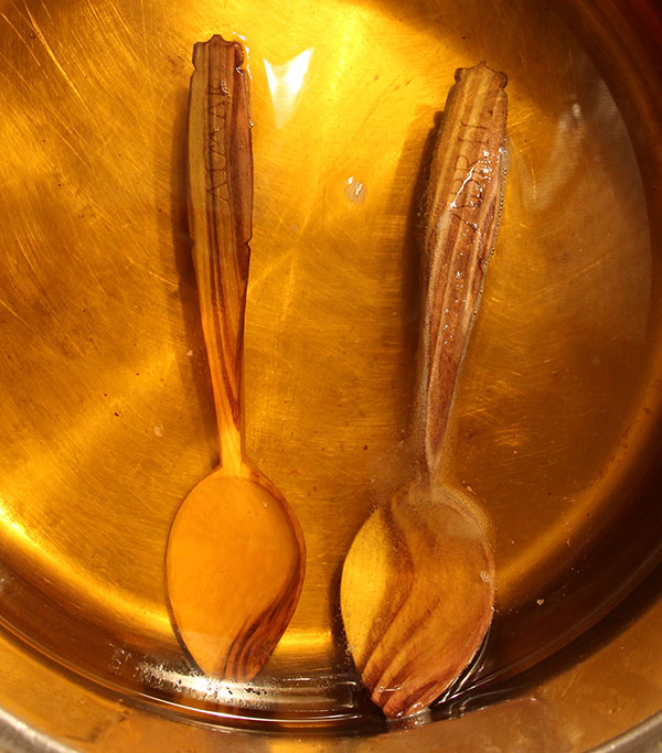 Treating Wooden Spoons with Linseed Oil