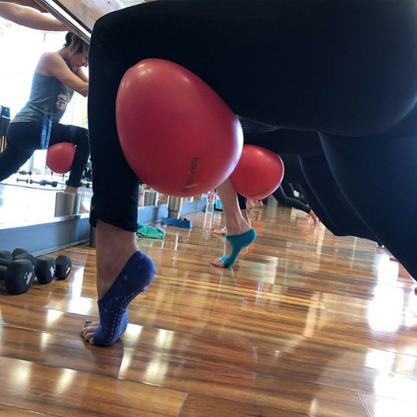 A fun leg burn with the ball at @bodysculptbarre .  Their Tucketts ensure they don't slip as they relevé. . . . . #lovetucketts #freedomfortoes #befree #yoga #pilates #barre #yogasocks #pilatessocks #barresocks#tuckettsforeveryone #grippysocks #fitnesssocks #fitness #athleisure #fitfashion #barefootworkout #powerofshe #womenowned #barrelovin #balletworkout #stickysocks #gripsocks