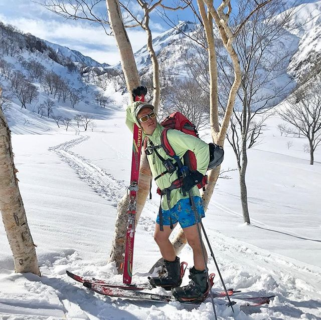 """We likes short shorts. Who wears short shorts"" ☝️ Spring touring in Hakuba, right now! ☀️😎 📸@joshpinetree 