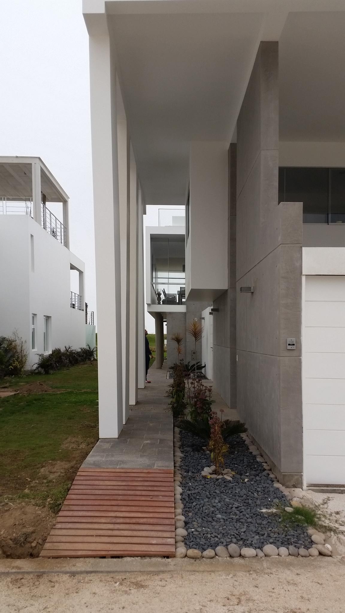 Diego del Castillo - oaudarq - casa de playa EC (2).jpg