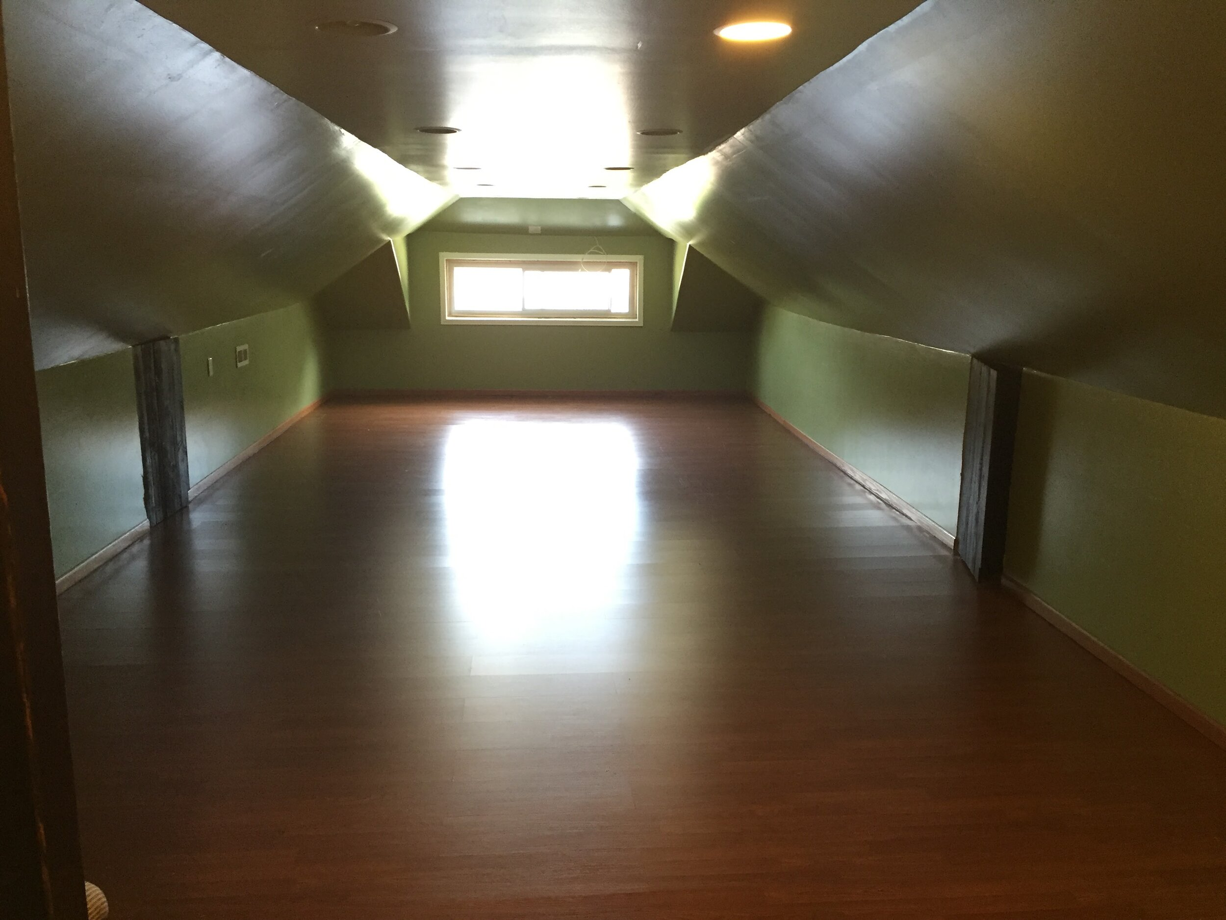 Boys' room Before