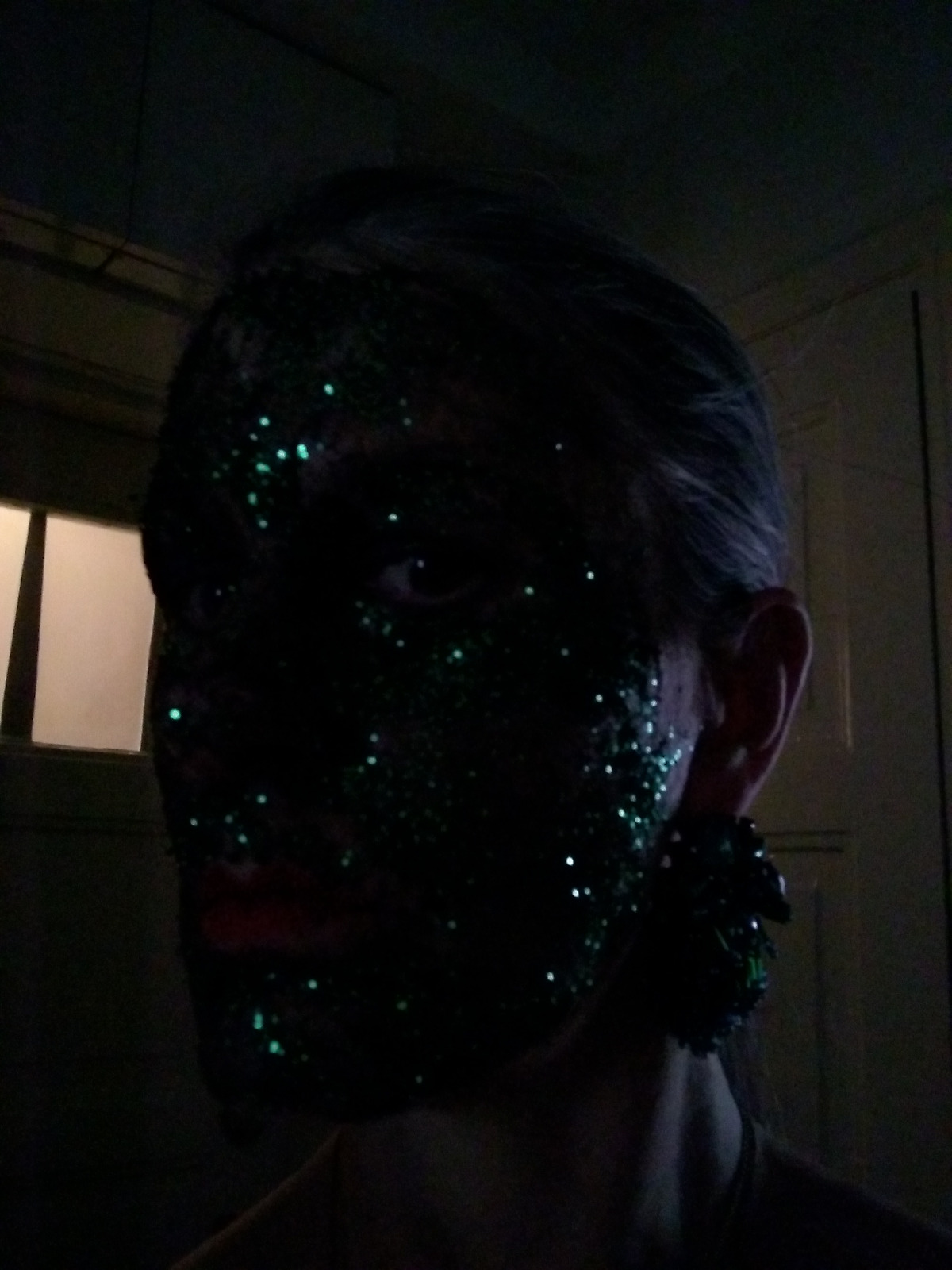 glitter soil face test_01.jpeg