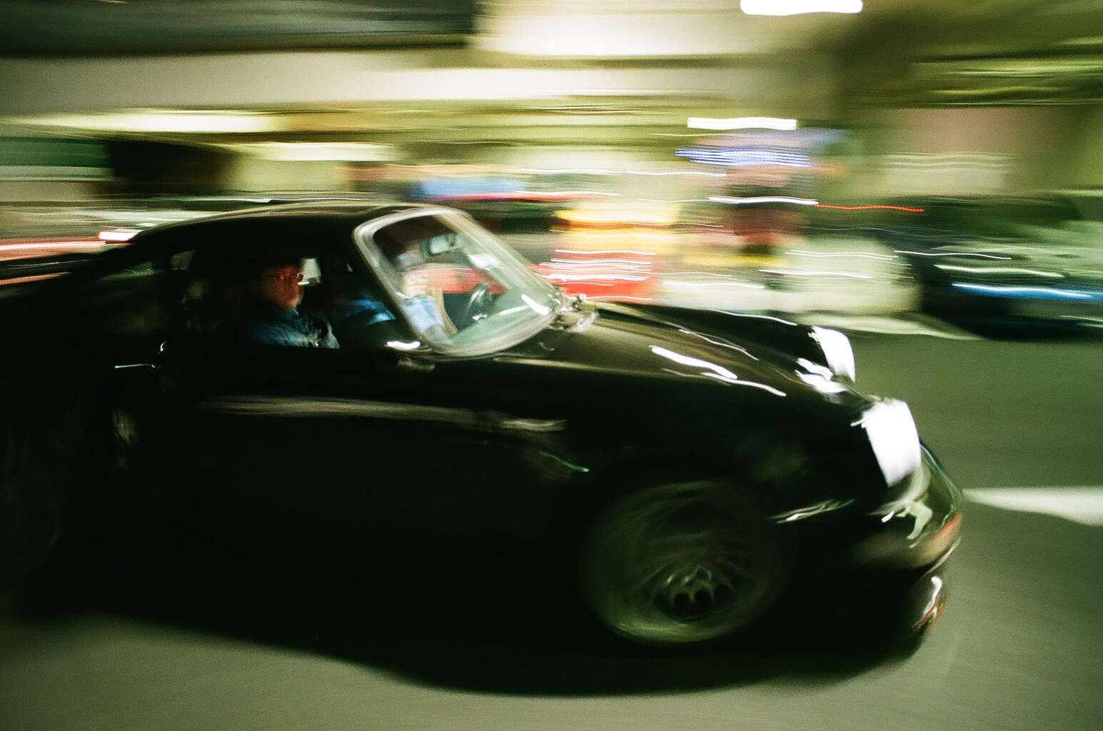 Love this panning action with distorted lights.
