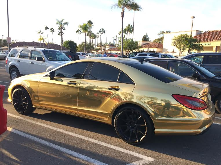 Oh look, I found a gold Mercedes Benz.
