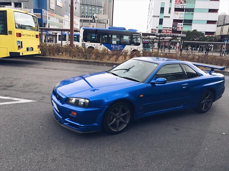 Finally got a good shot of the GT-R.