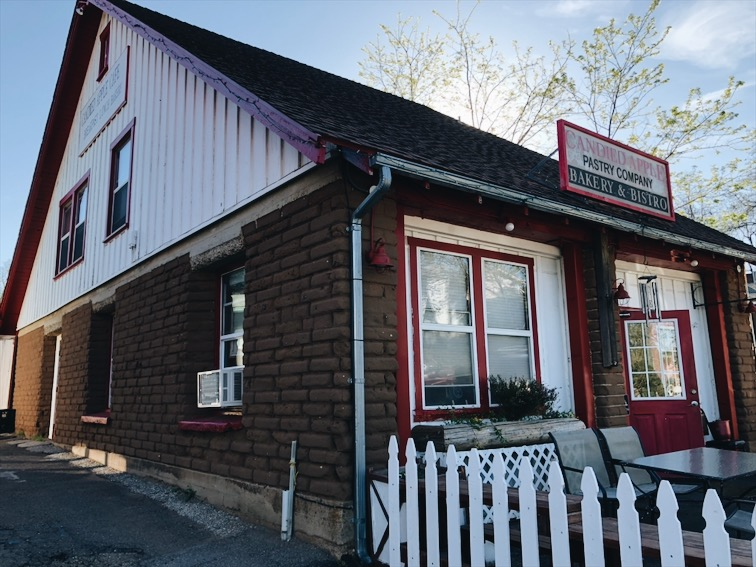 We had breakfast at a joint called Candied Apple. Small place, family owned, it was cool.