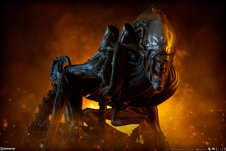 pio-paulo-santana-alien-warrior-mythos-maquette-sideshow-400317-02.jpg