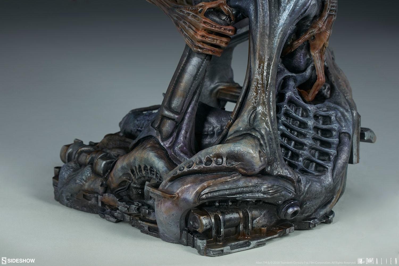 pio-paulo-santana-alien-warrior-mythos-maquette-sideshow-400317-20.jpg