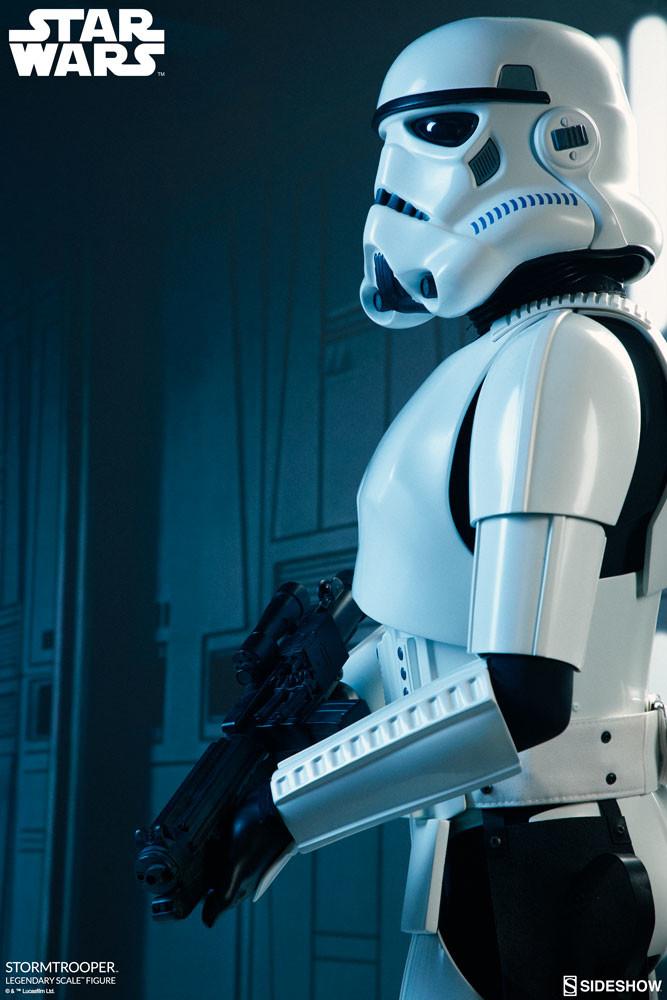 pio-paulo-santana-star-wars-stormtrooper-legendary-scale-figure-sideshow-400158-04.jpg