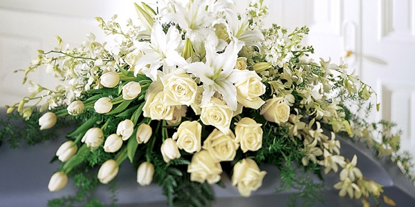 funeral-flowers-memorial-service-ideas.jpg