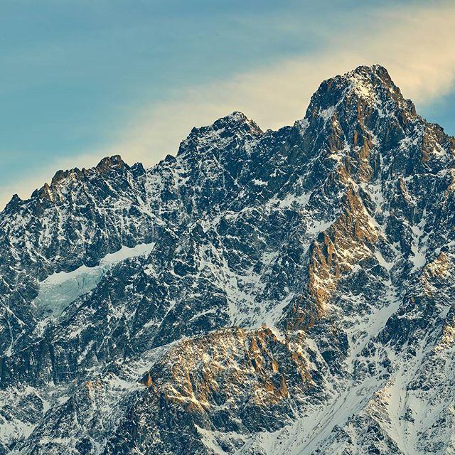 Last light of the day. #verpeilspitze #verpeil #schabenkopf . Spot the tiny #glacier . #neverstopexploring #hiking #mountaineering #tirol #visittirol