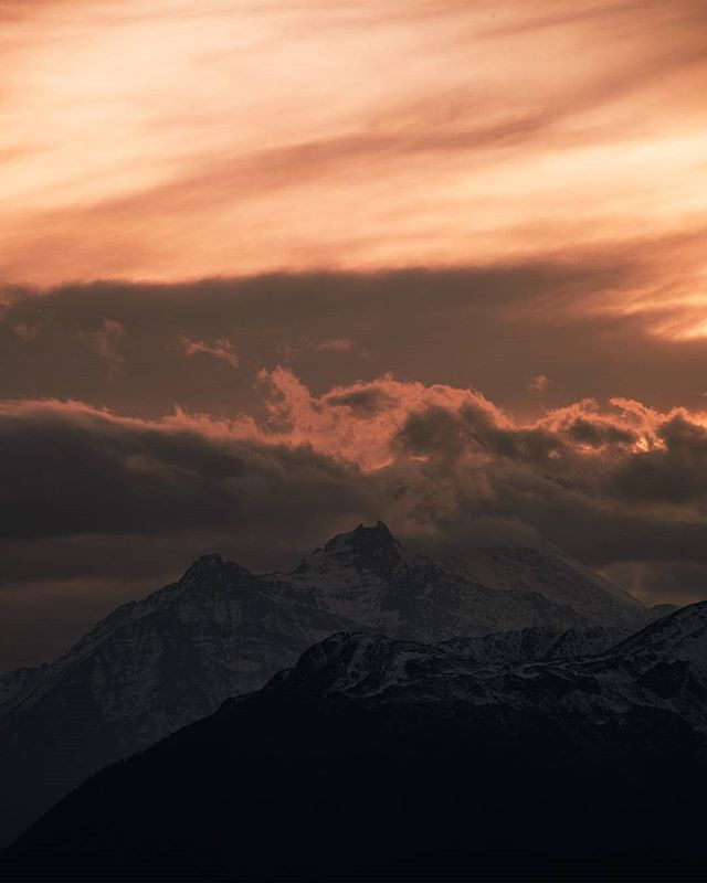 On fire. Yesterday's #sunset #tirol #tiroleroberland #serfausfissladis