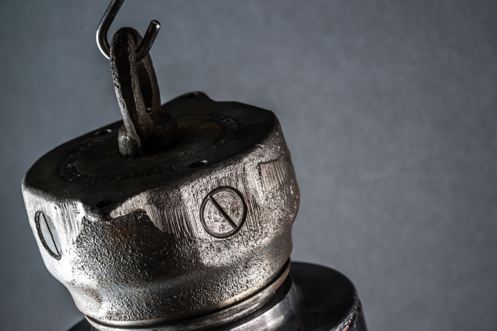 Steel Bulkhead Pendant_03.jpg