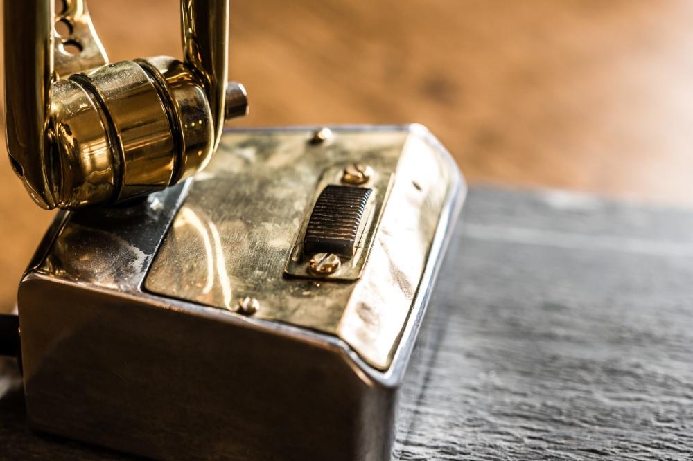 Brass Desk Lamp on Slate Base 05.jpg